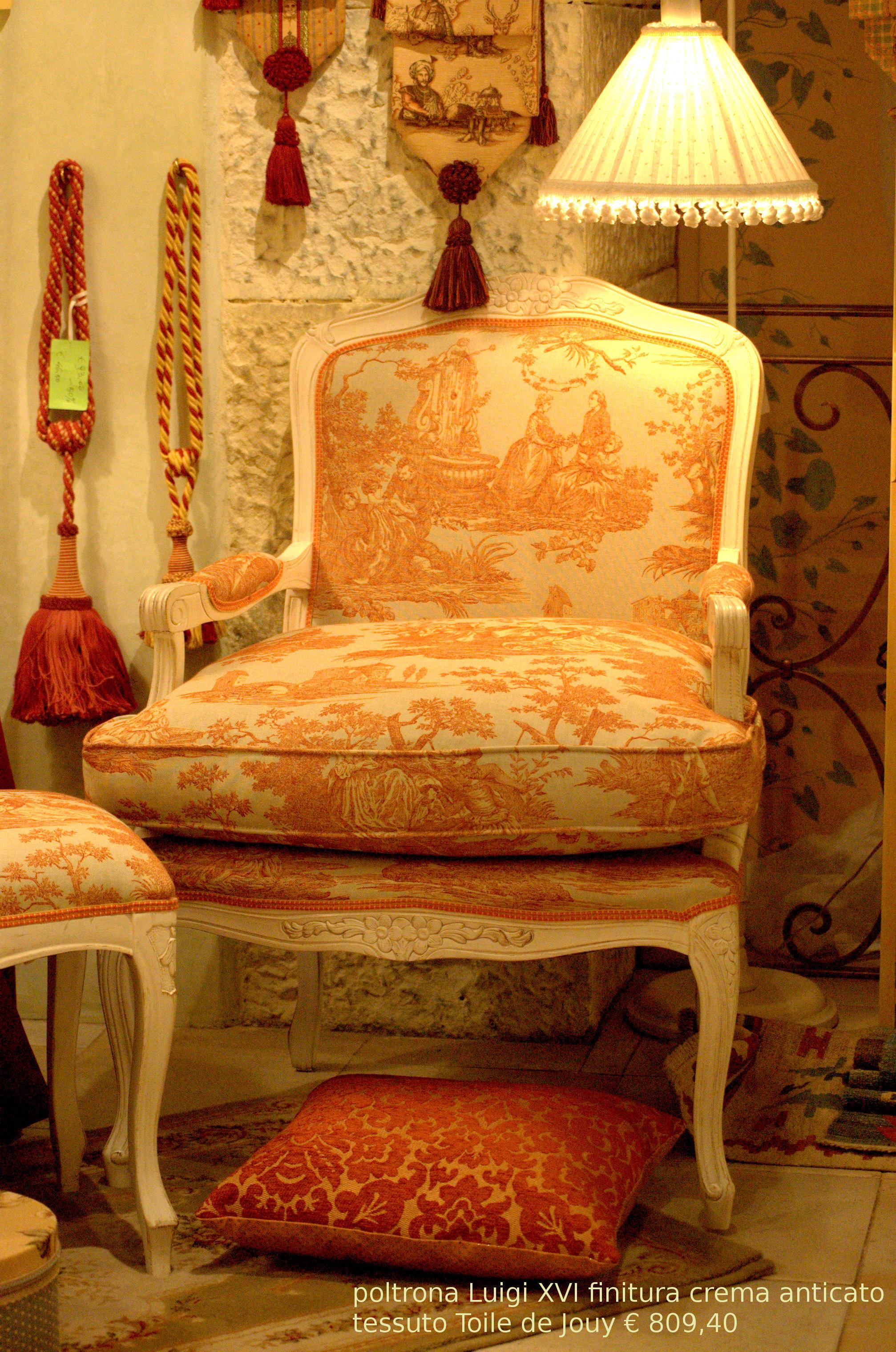 La tappezzeria a trieste rinnovo divani poltrone for Tessuti arredamento on line