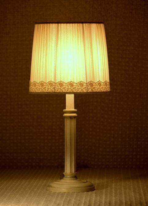 Lampade da tavolo i pizzi studio d 39 interni g t f - Lampade da tavolo vendita on line ...